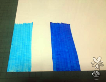 プラ板に色を塗る