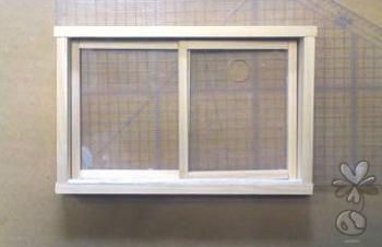 接着前に窓枠の長さを確認する